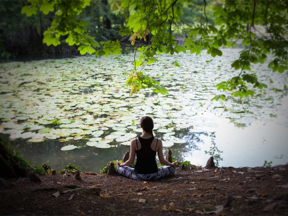 asana yoga posizione meditazione seduta